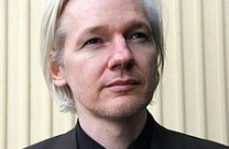 Assange calls for 'El Periódico' editor to resign