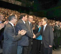 Bloomberg · Catalonia's Mas Urges Single Pro-Secession List for Election