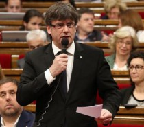 """""""Essential"""" step towards independence vote cleared as Catalan Parliament approves 2017 budget"""